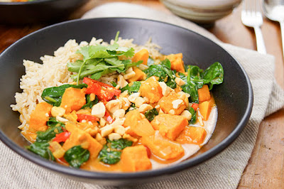 Easy Creamy Chicken Curry with Sweet Potato and Spinach