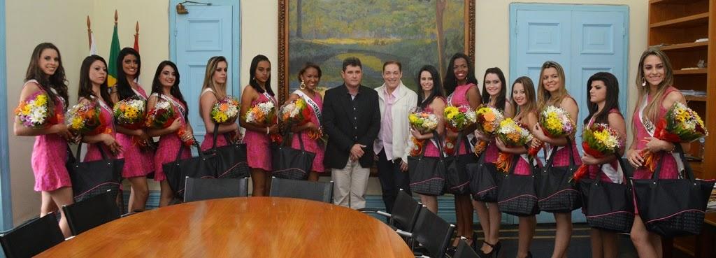 Prefeito Arlei e as 14 candidatas a Miss Teresópolis Oficial 2015