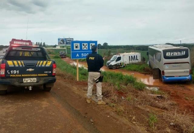 Acidente mata 3 adultos e 2 crianças que vinham passar fim de ano no Piauí