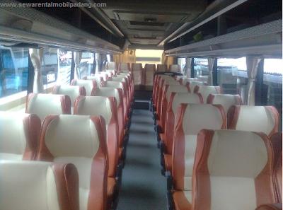 Interior Sewa Bus Pariwisata OH di Padang Bukittinggi