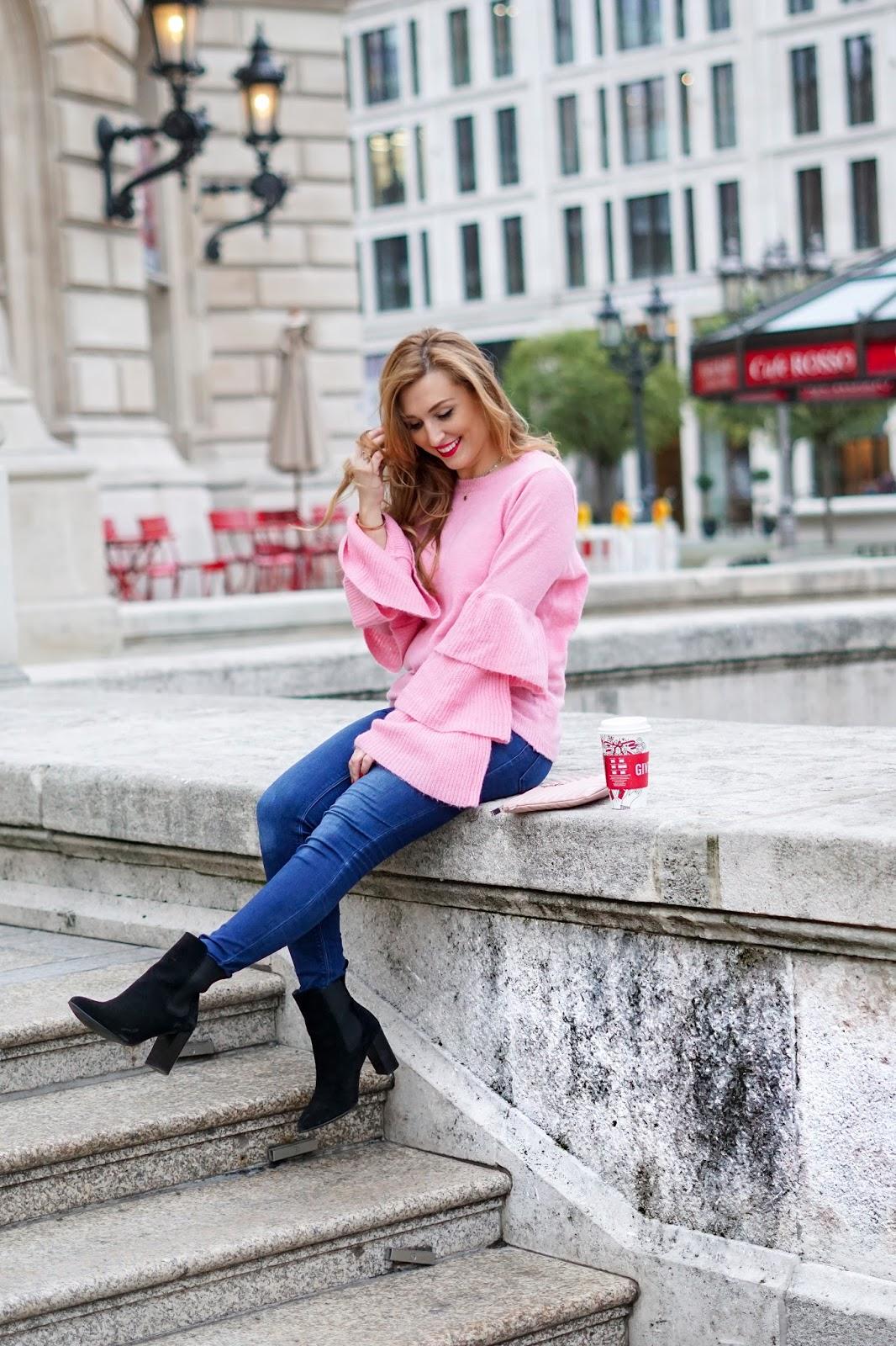 NA-KD-Rosa-pullover-volant-ärmel-pullover-in-rosa-kombinieren-wie-kombiniere-ich-einen-rosa-pullover-blogger-aus-deutschland-fashionstylebyjohanna-frankfurt-blogger-blogger-aus-Frankfurt]