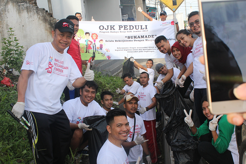Insan OJK Jember Peduli Lingkungan
