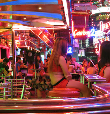 sexy pick up girls from Soi Cowboy 11