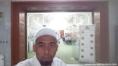 Saya di depan Perpustakaan Masjidil Haram
