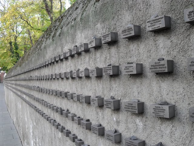 Jewish Holocaust Memorial Wall em Frankfurt