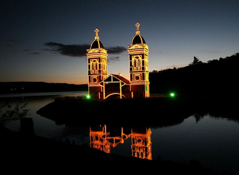 Torres da Igreja de São Pedro