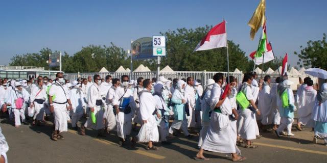 [Video] Di Negara Wahabi, Jamaah Haji Indonesia dengan Lantang Shalawatan Bersama