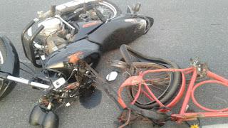 Colisão entre moto e bicicleta próximo a cidade de Barra de Santa Rosa nesse feriado