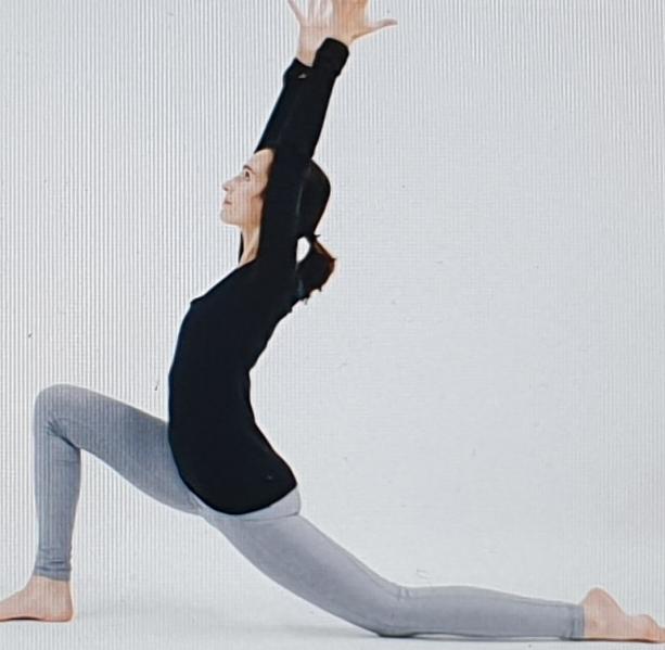Gün Boyu Oturmanın Zararlarını 12 Yoga Pozu İle Bitirin. Mayıs 2019