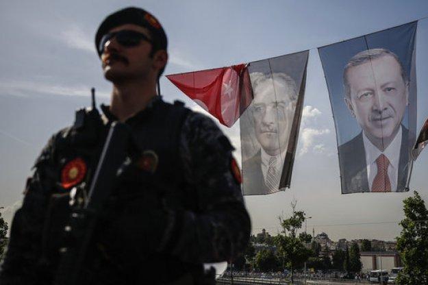 Στρατιωτικός νόμος στην Τουρκία για τα επόμενα τρία χρόνια