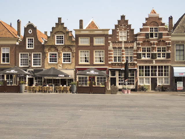 Discover the Netherlands: step gabled buildings in Dordrecht