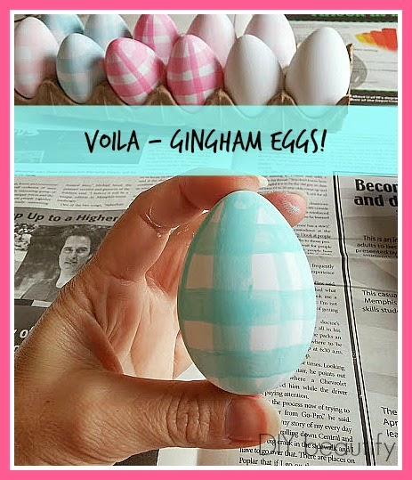 Gingham Painted Eggs www.diybeautify.com