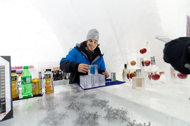 Québec City's Village Vacances Valcartier's Hôtel de Glace ice bar