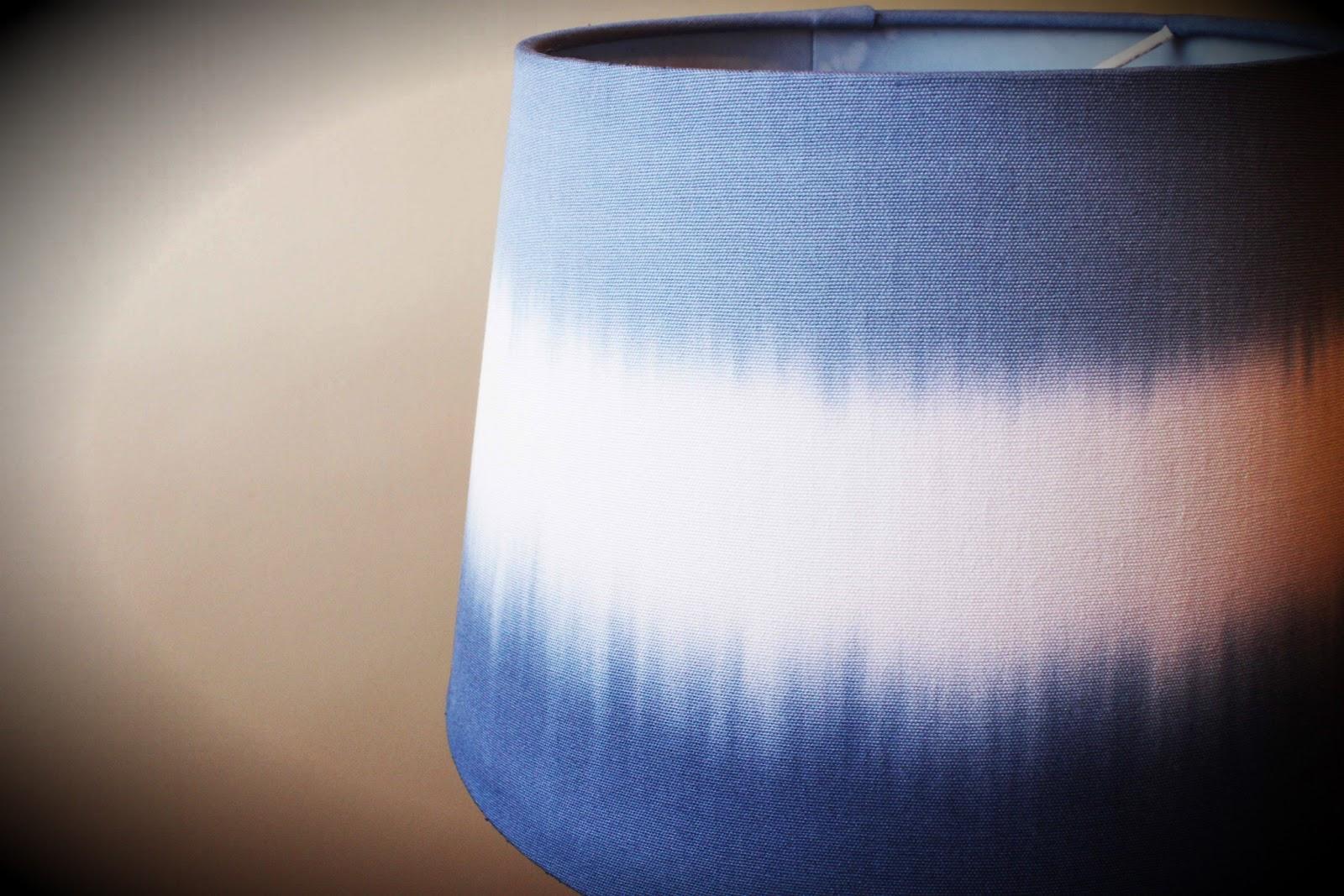 divin 39 id le blog d co diy une lampe tie and dye pour moins de 20. Black Bedroom Furniture Sets. Home Design Ideas