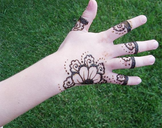Beautiful Kids Mehndi Design
