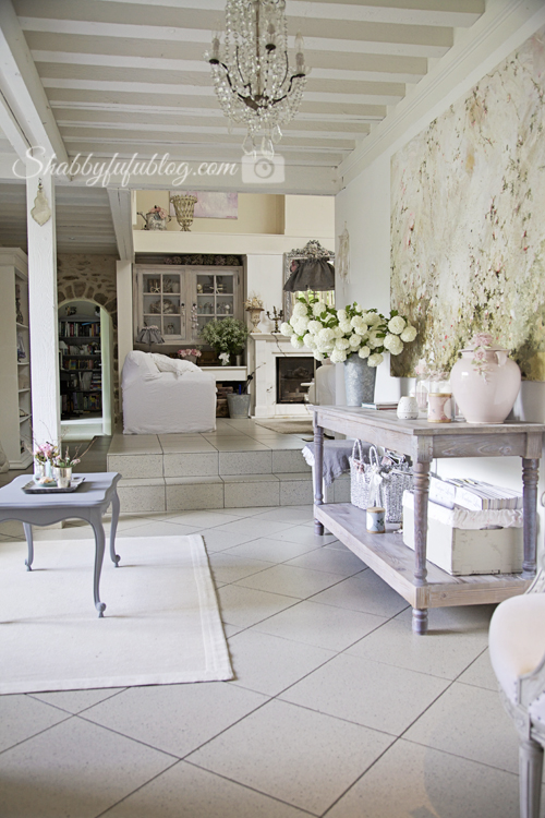 An exquisite french country home tour shabbyfufu for French country beach house