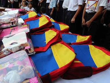 Entregados 12.233 morrales y uniformes en escuelas de Trujillo