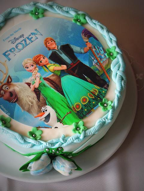 Frozen,kraina lodu,tort frozen,tort bez pieczenia,sklep internetowy frisco.pl,zakupy spożywcze przez internet,szybkie zakupy internetowe,zakupy on line,tort,galaretkowiec,