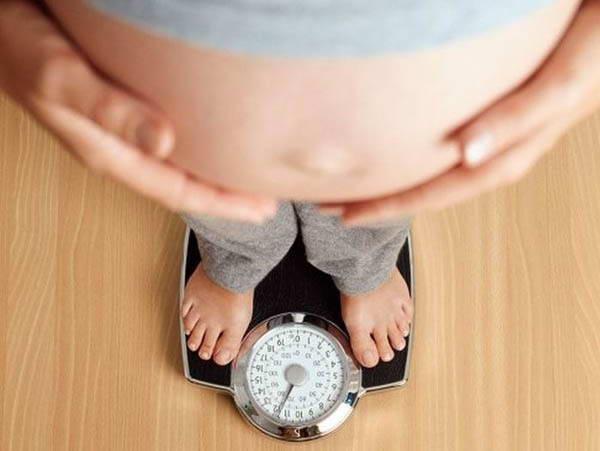Cách ăn uống giúp mẹ bầu không bị thừa cân khi mang thai