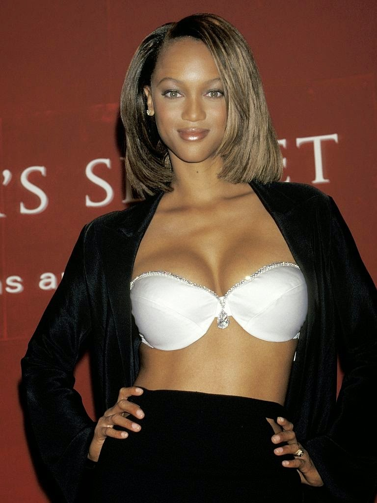 Tyra Banks - Diamond Dream Bra (1997)