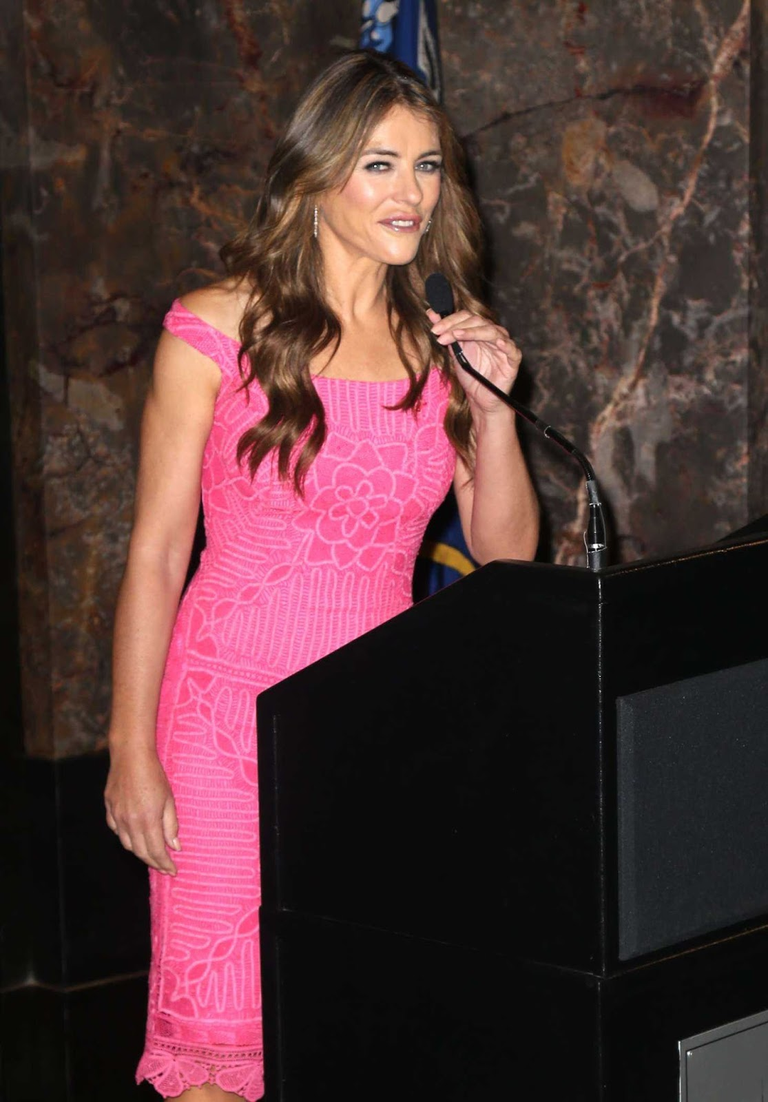 Elizabeth Hurley Looks Hot in Pink Outfit