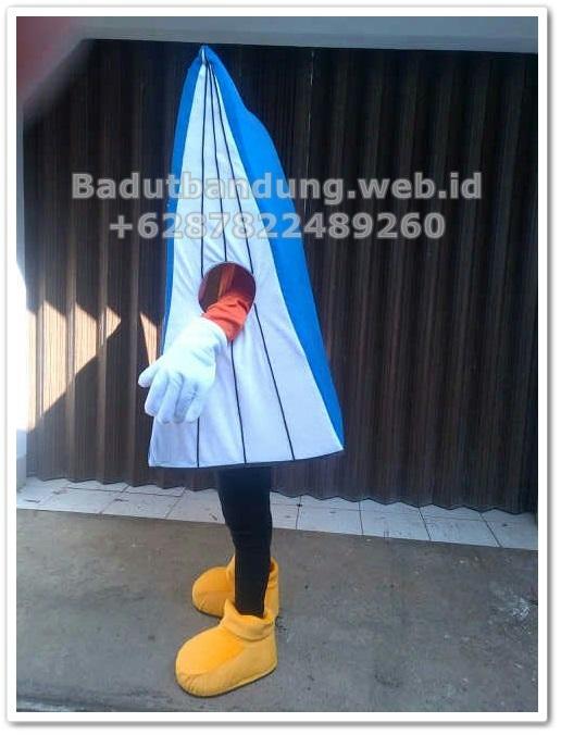contoh kostum badut maskot bentuk buku tabungan simpedes bri gambar samping