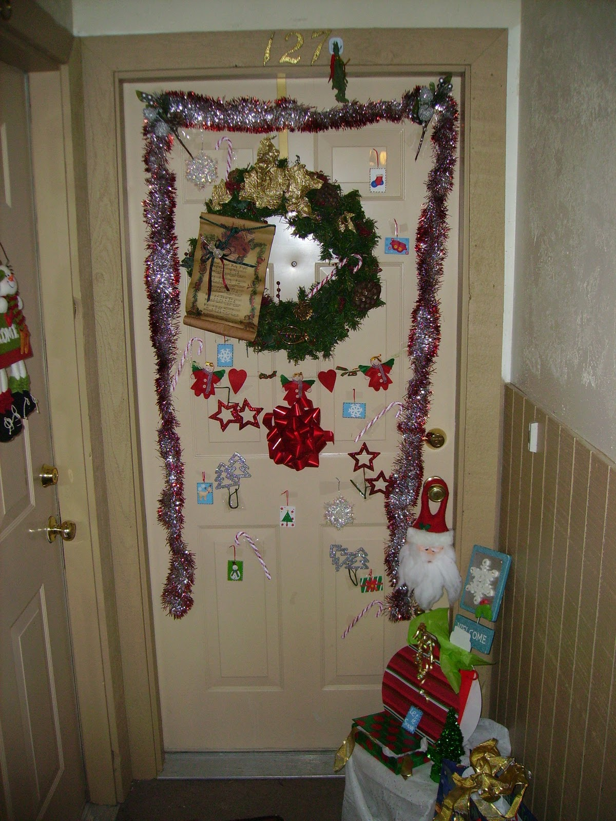 Apartment Door Decorating Contest