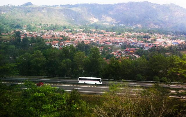Bus ke Bandara Soekarno-Hatta Dari Tasikmalaya