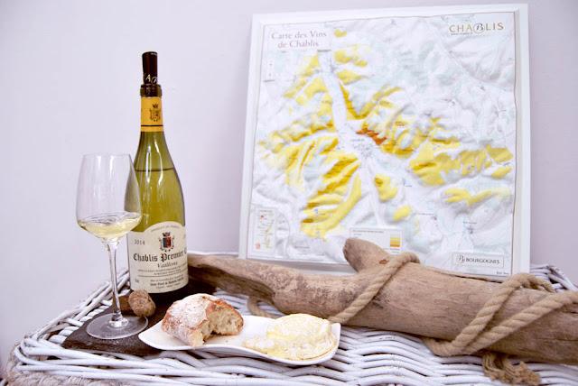 Chablis Premier Cru mit Käse und Landkarte | pastasciutta