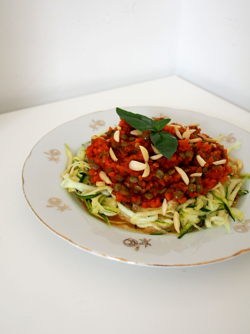 Recipe: Vegan Bolognese with Zucchini Noodles.