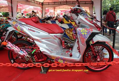 Foto Modifikasi Honda Vario 150 Kontes Full Chrome