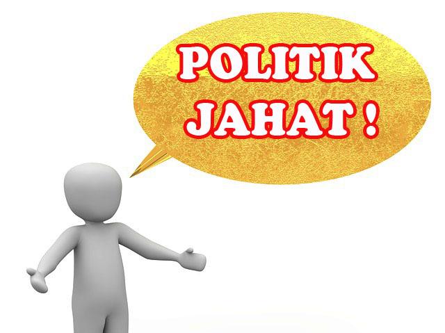 Kesalahan Dalam Memahami Politik