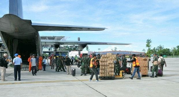 TNI Beri Bantuan untuk Asmat dan Korban Gempa Lebak Banten
