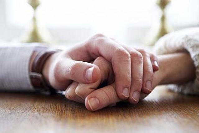 Apa Hukumnya Meminum Air Mani Pasangan Kita Dalam Islam