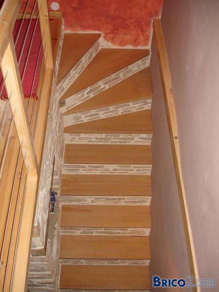comment monter et descendre les escaliers avec des bequilles la r ponse est sur. Black Bedroom Furniture Sets. Home Design Ideas