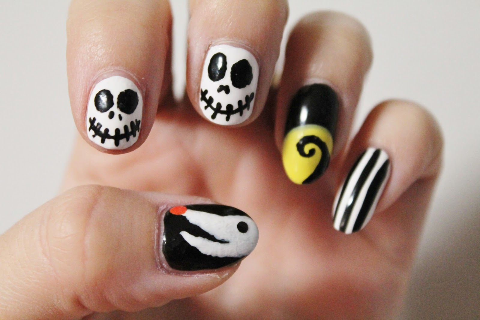 Halloween Nails // Nghtmare Before Christmas Nails ...
