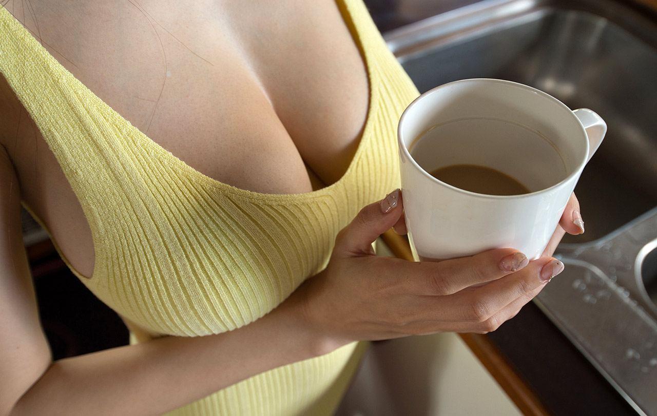 foto bugil dari artis bokep toket gede asal jepang,julia kyoka. gambar porno gadis cantik jepang telanjang sambil pamer payudara gede