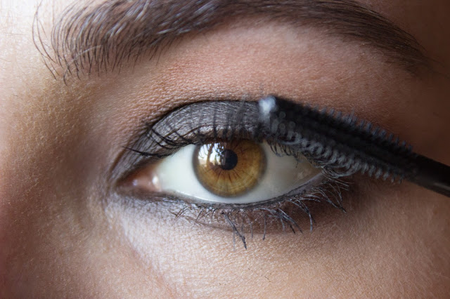 fast matte smoky eyes: step 11