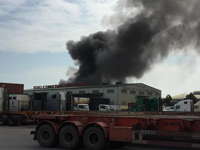 Hải Phòng: Cháy lớn kho chứa lốp ô tô tại KCN Đình Vũ