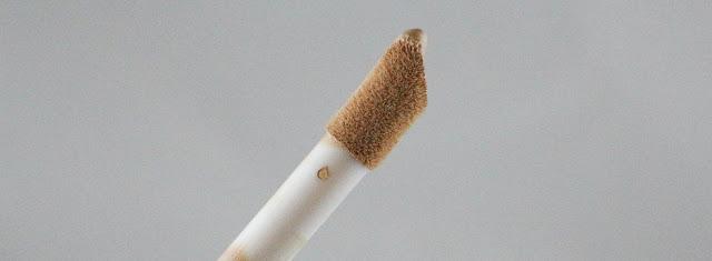 Makeup revolution conceal & define foundation/ La couvrance pour 10 euros.