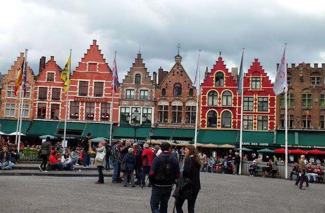 Casas gremiales en la gran plaza de brujas