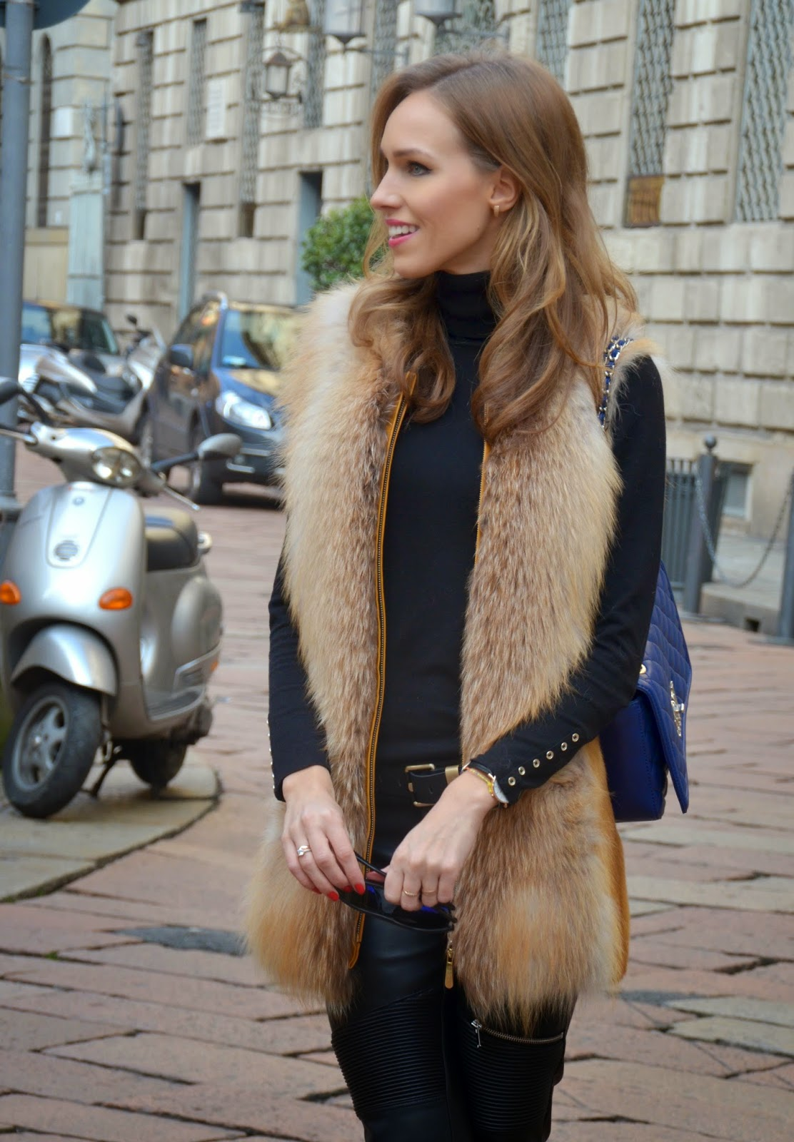 red-fox-fur-vest-zara-black-pullover-leather-pants-outfit-milan kristjaana mere
