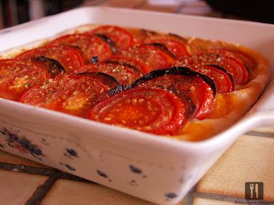 Tarta cu roșii, ciuperci și chorizo
