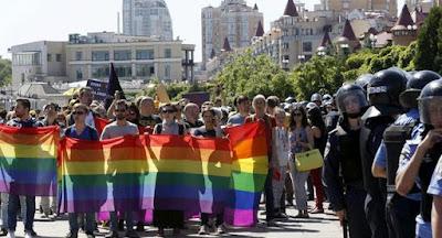 """""""Марш рівності"""" ЛГБТ у Києві відбувся без серйозних правопорушень"""