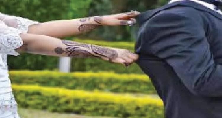 بالفيديو .. عروس تحرج عريسها أمام أقاربهما والمعازيم