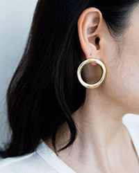 https://www.belmto.com/collections/jewelry/products/jo-circle-earrings