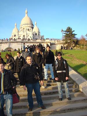 Sacre Cœur e 4 mochileiros - Paris - França