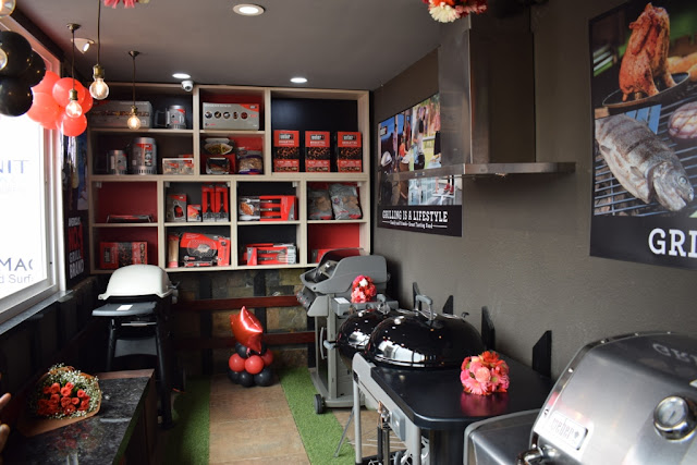 WEBER: American covered Grilling Master now in Kirti Nagar