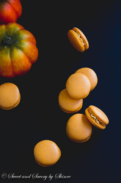 pumpkin-french-macarons