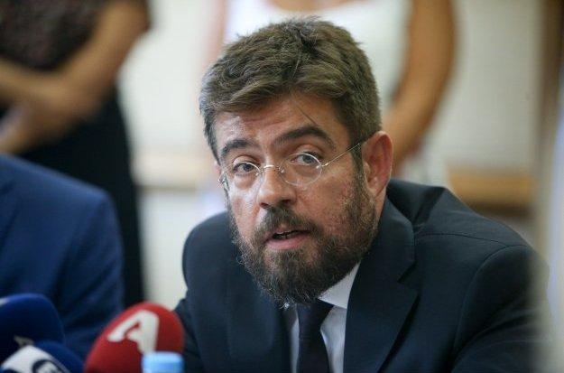 Υπουργός Δικαιοσύνης ο δικηγόρος των αναρχικών!!!